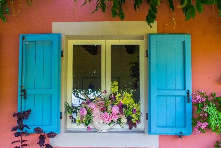 Constance Spry arrangement in window