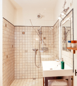 bathroom la stalla tuscany italy